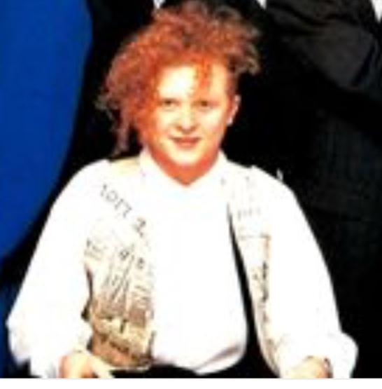 Head singer for Simply Red